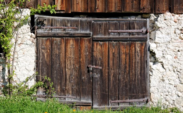 entrance-door-1376493_1920